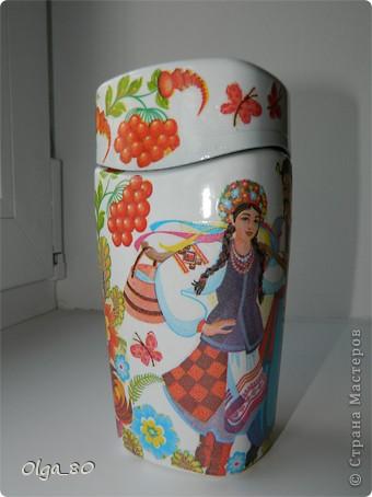 Первый раз делала на заказ банку. Предложила в украинском стиле, потому что уже работала с этой салфеткой. Как оказалось для заказчицы это очень актуально. Надеюсь ей понравится фото 14