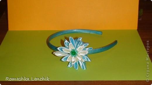 впервые я попыталась создать цветы в технике канзаши.  очень довольна результатом. А как поднимает настроение!!! просто фантастика фото 3