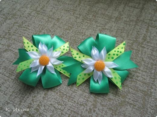 понаделала новых бантиков. Любимый мой зеленый цвет. фото 1