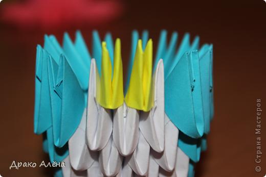 Всем добрый день. Мастер класс модульного пингвинчика уже есть в стране мастеров, но у меня спрашивали мк моих (http://stranamasterov.ru/node/381132), и я решилась его сделать. Для создания такой малышки понадобится совсем не много модулей 124 синих, 21 белый, 5 желтых и 2 черных. фото 6