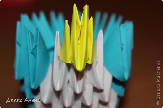 Всем добрый день. Мастер класс модульного пингвинчика уже есть в стране мастеров, но у меня спрашивали мк моих (http://stranamasterov.ru/node/381132), и я решилась его сделать. Для создания такой малышки понадобится совсем не много модулей 124 синих, 21 белый, 5 желтых и 2 черных. фото 7