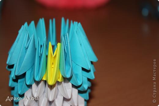 Всем добрый день. Мастер класс модульного пингвинчика уже есть в стране мастеров, но у меня спрашивали мк моих (http://stranamasterov.ru/node/381132), и я решилась его сделать. Для создания такой малышки понадобится совсем не много модулей 124 синих, 21 белый, 5 желтых и 2 черных. фото 8