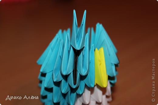 Всем добрый день. Мастер класс модульного пингвинчика уже есть в стране мастеров, но у меня спрашивали мк моих (http://stranamasterov.ru/node/381132), и я решилась его сделать. Для создания такой малышки понадобится совсем не много модулей 124 синих, 21 белый, 5 желтых и 2 черных. фото 11