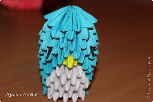 Всем добрый день. Мастер класс модульного пингвинчика уже есть в стране мастеров, но у меня спрашивали мк моих (http://stranamasterov.ru/node/381132), и я решилась его сделать. Для создания такой малышки понадобится совсем не много модулей 124 синих, 21 белый, 5 желтых и 2 черных. фото 14
