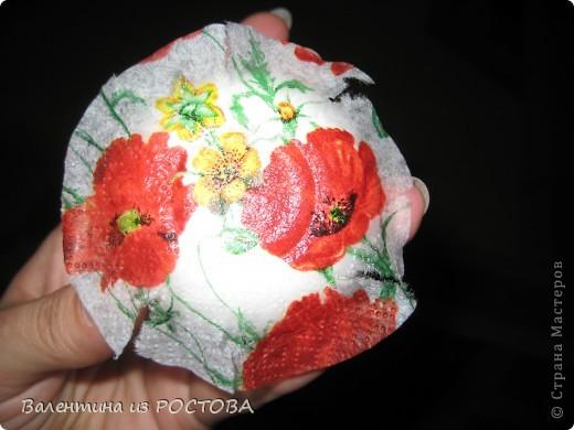 Идею отливки пуговиц из гипса взяла здесь  http://www.supersadovnik.ru/masterclass.aspx?id=521   Спасибо автору. Материалы и инструменты: гипс клей ПВА пластиковые стаканчики от очищенных семечек вода салфетки акриловые краски акриловый лак саморезы крестовая отвертка фото 6