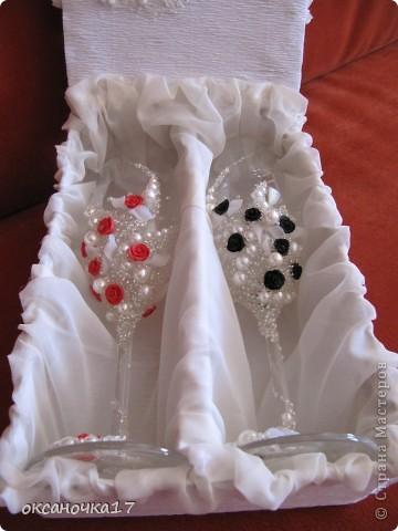 вот решила сделать коробочку для бокалов.цветочки делала из салфеток. фото 4