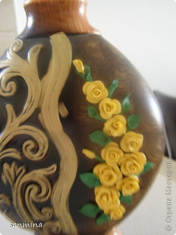 пока трехмесячная доча сладко сопит в кроватки, получилась вот такая декоративная вазочка. лепка из ХФ, окрашен масляной краской. фото 1