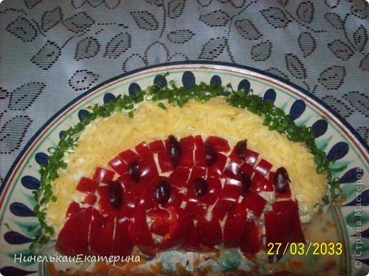 """""""Летний торт из рулетов с клубникой и жимолостью"""". Но я в него добавила сухофрукты, т.к. ягод у меня не было, но получилось вкусно. https://stranamasterov.ru/user/66262 фото 6"""