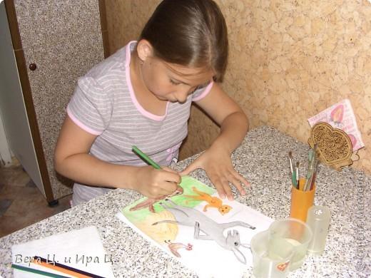 """Здравствуйте! Меня зовут Цивкунова Вера, мне 12 лет, живу в Ярославле. Я очень люблю рисовать, поэтому для конкурса """"Сказка за сказкой"""" я изобразила главных героев братьев Гримм """"Бременские уличные музыканты"""": """"А нашим бременским музыкантам так в том доме понравилось, что остались они там жить навсегда."""" Рисунок выполнен акварельными карандашами.  фото 3"""