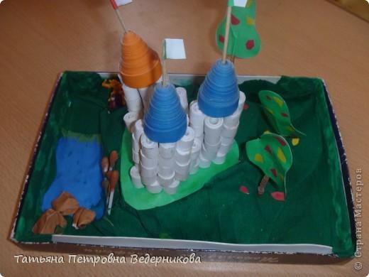 В начале учебного года мы изучали архитектуру разных эпох.  В результате появились такие работы. фото 2