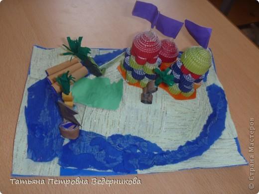 В начале учебного года мы изучали архитектуру разных эпох.  В результате появились такие работы. фото 7