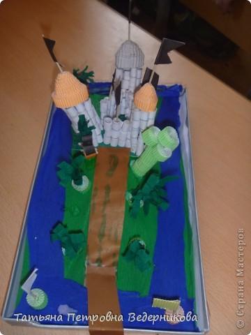 В начале учебного года мы изучали архитектуру разных эпох.  В результате появились такие работы. фото 10