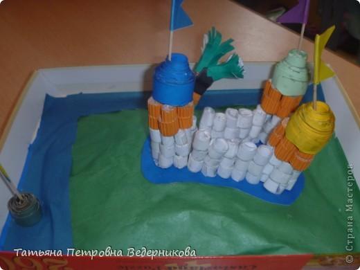 В начале учебного года мы изучали архитектуру разных эпох.  В результате появились такие работы. фото 11