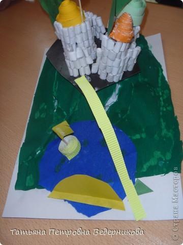 В начале учебного года мы изучали архитектуру разных эпох.  В результате появились такие работы. фото 12