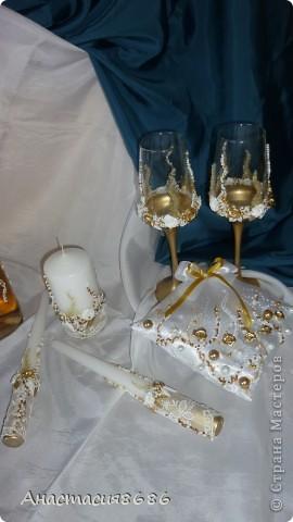 Делала такие бокалы сестре на свадьбу, заказчица увидела и попросила сделать набор. фото 5