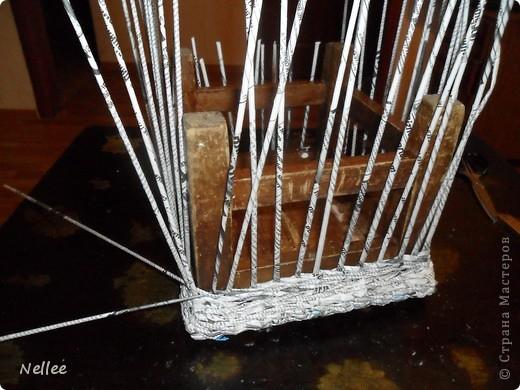 Давно хотела сделать такой же сундучек, как у Ксении http://stranamasterov.ru/node/286075 , но мне его некуда ставить((( И был у меня старый облезлый стульчик, который я планировала оплести. И когда дошла очередь до стульчика, идея декора родилась сама собой))) Спасибо Ксении, что ее сундук помог мне преобразить свой стульчик! фото 5