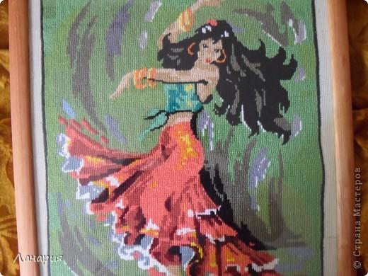 Свою работу вышивала почти 2 года, размер картины 36* 45. фото 3