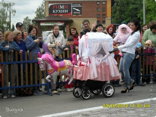 "На параде колясок мы участвовали в номинации ""Сказка"" название ""Золотая рыбка"" фото 7"