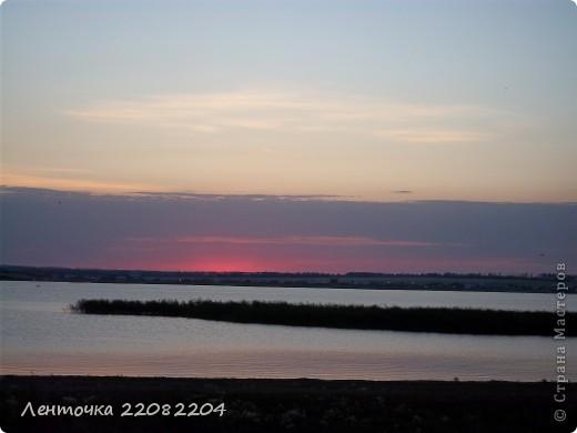 С добрым утром!А ведь оно и правда доброе!Стоило проснуться в 4 утра чтобы увидеть восход солнца!Утро было теплым,немного дул южный ветер,проснулись птицы и встали на крыло. фото 2