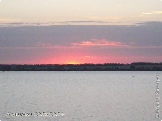 С добрым утром!А ведь оно и правда доброе!Стоило проснуться в 4 утра чтобы увидеть восход солнца!Утро было теплым,немного дул южный ветер,проснулись птицы и встали на крыло. фото 5