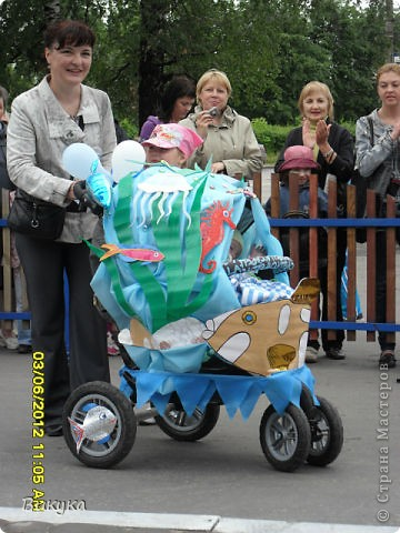 "На параде колясок мы участвовали в номинации ""Сказка"" название ""Золотая рыбка"" фото 9"