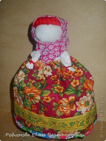 """Это кукла """"Девка  - Баба"""". Кукла готовила девочку к взрослой жизни, показывая, что не всегда жизнь будет беспечной. Кукла Девка - Баба представляет собой куклу - перевертыш. (Сторона """"Девка"""") фото 2"""