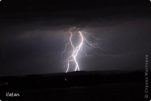 """Всем приветики!!!  Я сегодня с громом и молниями!!!  По Польше во вторник 3 июля 2012 года прошли страшные престрашные грозы, мощный порывистый ветер и даже торнадо!!!!  Было страшнооооо!!!  А еще с неба падали """"куринные яйца"""" в смысле град величиной с куринное яйцо!!!  В данном фоторепортаже есть ВСЕГО НЕСКОЛЬКО МОИХ ФОТОК, ОСТАЛЬНЫЕ СОБРАНЫ С ИНТЕРНЕТА со страниц польских новостей для того, чтобы Вы могли понять, что тут творилосььььььььь!!!!  фото 5"""