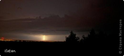 """Всем приветики!!!  Я сегодня с громом и молниями!!!  По Польше во вторник 3 июля 2012 года прошли страшные престрашные грозы, мощный порывистый ветер и даже торнадо!!!!  Было страшнооооо!!!  А еще с неба падали """"куринные яйца"""" в смысле град величиной с куринное яйцо!!!  В данном фоторепортаже есть ВСЕГО НЕСКОЛЬКО МОИХ ФОТОК, ОСТАЛЬНЫЕ СОБРАНЫ С ИНТЕРНЕТА со страниц польских новостей для того, чтобы Вы могли понять, что тут творилосььььььььь!!!!  фото 6"""