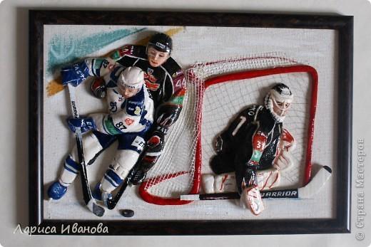 Для любителей хоккея выкладываю МК по лепке хоккеистов. Давно уже лепила, все никак не могла загрузить сюда фото, вот наконец-то нашла время))) Размер картины 20х30 см. фото 21