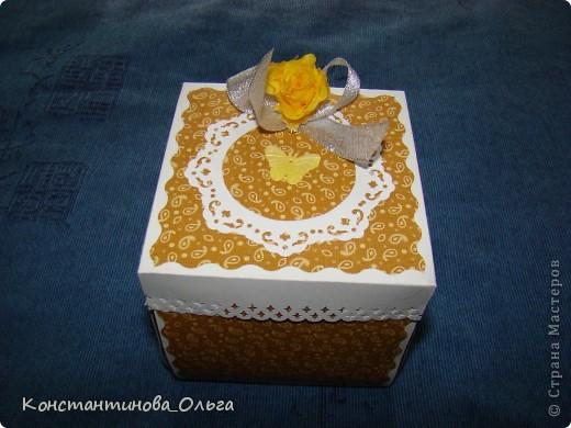 Делала коробочки нескольких видов. В первых внутри были цветы с бабочками.  фото 5