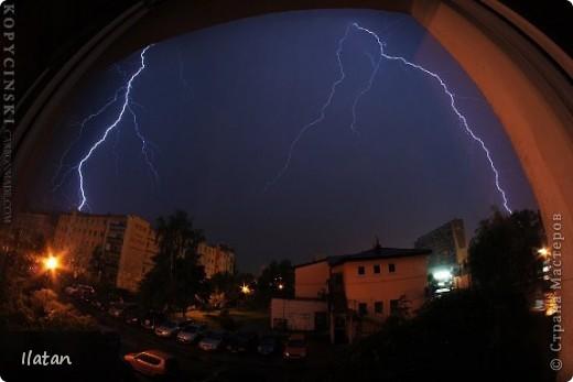"""Всем приветики!!!  Я сегодня с громом и молниями!!!  По Польше во вторник 3 июля 2012 года прошли страшные престрашные грозы, мощный порывистый ветер и даже торнадо!!!!  Было страшнооооо!!!  А еще с неба падали """"куринные яйца"""" в смысле град величиной с куринное яйцо!!!  В данном фоторепортаже есть ВСЕГО НЕСКОЛЬКО МОИХ ФОТОК, ОСТАЛЬНЫЕ СОБРАНЫ С ИНТЕРНЕТА со страниц польских новостей для того, чтобы Вы могли понять, что тут творилосььььььььь!!!!  фото 15"""