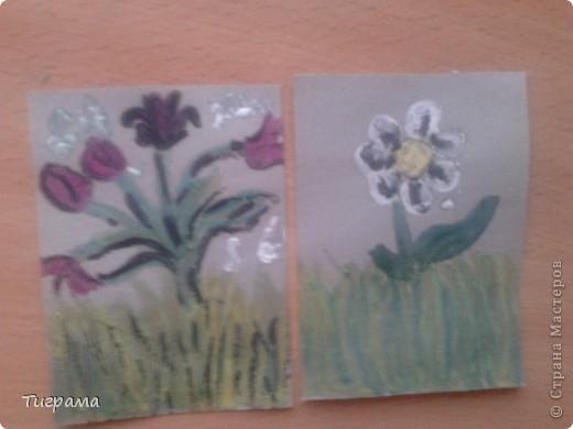 Вот такие 2 карточки у меня получились, впервые пробовала технику энкаустика.Продолжать или нет???.....Но на ромашке я чёрные пятнышки делать не буду.... фото 1