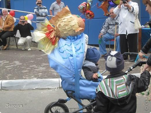 "На параде колясок мы участвовали в номинации ""Сказка"" название ""Золотая рыбка"" фото 2"