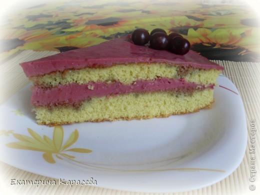 Летний торт с вишнями