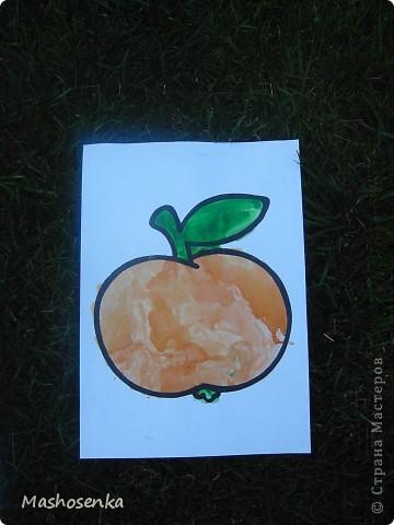 Привет всем!!!Вот мой фоторепортаж с мини выставки рисунков моей младшей сестрёнки Софы!!!Сначала просто я ей  распечатала на а4 раскраски,решили рисовать акварелью!У неё в руках папка! фото 6