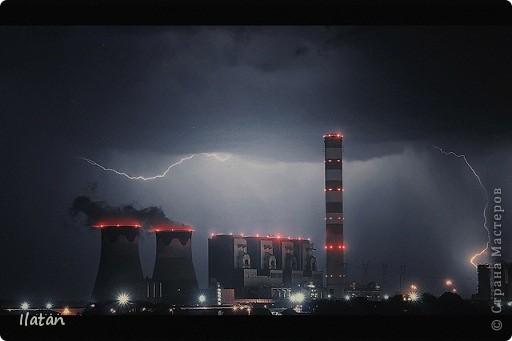 """Всем приветики!!!  Я сегодня с громом и молниями!!!  По Польше во вторник 3 июля 2012 года прошли страшные престрашные грозы, мощный порывистый ветер и даже торнадо!!!!  Было страшнооооо!!!  А еще с неба падали """"куринные яйца"""" в смысле град величиной с куринное яйцо!!!  В данном фоторепортаже есть ВСЕГО НЕСКОЛЬКО МОИХ ФОТОК, ОСТАЛЬНЫЕ СОБРАНЫ С ИНТЕРНЕТА со страниц польских новостей для того, чтобы Вы могли понять, что тут творилосььььььььь!!!!  фото 27"""