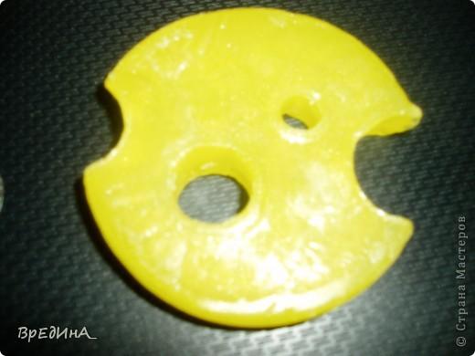 http://stranamasterov.ru/node/89849 - ссылка, откуда взята это идея. Спасибо Бухаре) Не знаю... Мышей дома вроде бы не видно, не слышно, а мыло кто-то прогрыз...) фото 3