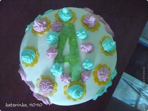 Бисквитный тортик на четырёхлетие племиннику. Рецепт и описание приготовления уже рассказывала - http://stranamasterov.ru/node/366269