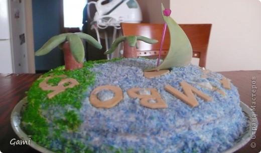Это самая первая попытка сделать красивый торт. Мастика была покупная марципановая, красители пищевые из пасхальных наборов. \но насыщенных цветов так у меня и не получилось((( фото 4