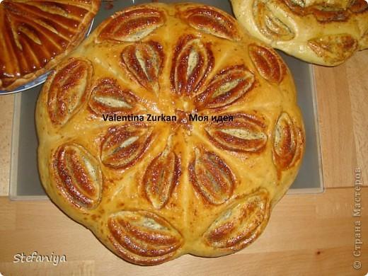 Предлагаю испечь вкусненький пирог, который готовится очень просто и можно разнообразить его любыми начинками у меня оказались вишенки и творог фото 3
