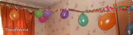 Йо-хо-хо, приветствую всех заглянувших  на огонёк! 25-го июня моему сыну Мише исполнилось 5 лет. Первый юбилей, можно сказать, и хотелось этот праздник отметить как то по особенному. Первая мысль была - день рождение в стиле пиратов, так как пираты, это одна из любимых Мишиных игр, тем для разговоров, рисования, лепки из пластилина и т.д, в общем, любит он пиратов и даже не возникло сомнений в выборе оформления вечеринки. А в помощь, конечно же, пришёл Google, пиратская тема среди мальчишек популярна и там нашлось море ссылок, в конце блога я добавлю те, которые наиболее вдохновили. фото 29