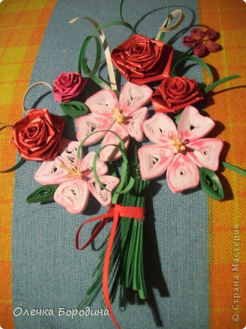 Доброй ночи уважаемые Мастера!делаю панно и вот его маленький элемент-букет цветов.Ну не удержалась я и выкладываю фото. фото 1