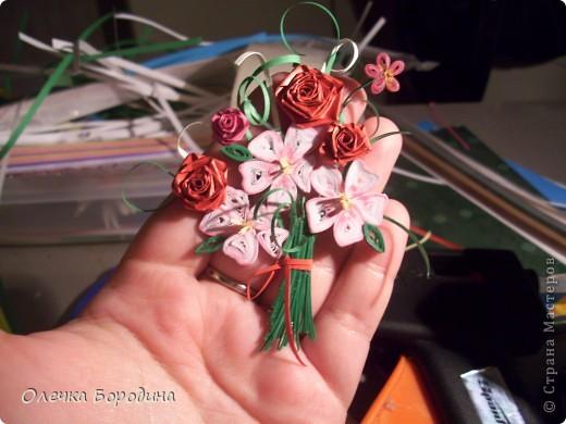 Доброй ночи уважаемые Мастера!делаю панно и вот его маленький элемент-букет цветов.Ну не удержалась я и выкладываю фото. фото 4