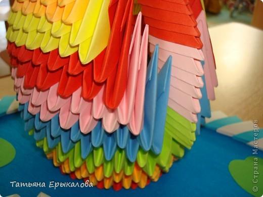 Мой первый опыт создания поделки в технике модульное оригами! Наверно большинство из нас именно с радужного лебедя начинает знакомство с этим замечательным видом искусства... фото 2