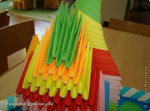 Мой первый опыт создания поделки в технике модульное оригами! Наверно большинство из нас именно с радужного лебедя начинает знакомство с этим замечательным видом искусства... фото 3