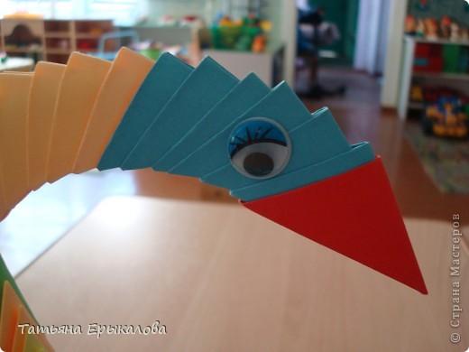 Мой первый опыт создания поделки в технике модульное оригами! Наверно большинство из нас именно с радужного лебедя начинает знакомство с этим замечательным видом искусства... фото 4