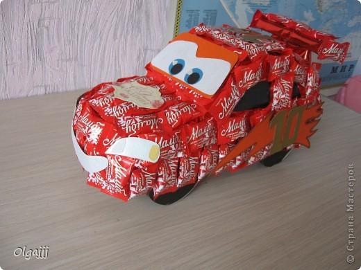Доброго всем времени суток. Вот такую Машину Молнию МакКуин наша семья сделала в подарок. фото 4