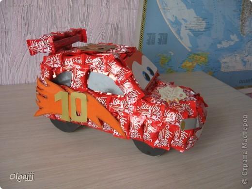 Доброго всем времени суток. Вот такую Машину Молнию МакКуин наша семья сделала в подарок. фото 5