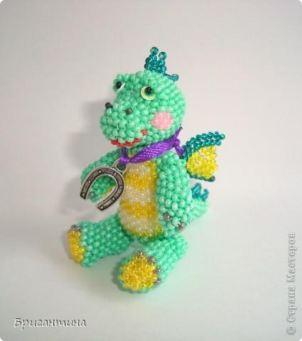 Этот дракончик отправится в г. Красноярск в качестве подарка. Надеюсь, он принесёт удачу новым хозяевам :-) МК дракончика здесь http://stranamasterov.ru/node/268451?t=451. фото 1