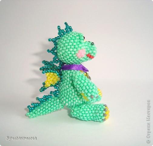 Этот дракончик отправится в г. Красноярск в качестве подарка. Надеюсь, он принесёт удачу новым хозяевам :-) МК дракончика здесь http://stranamasterov.ru/node/268451?t=451. фото 4